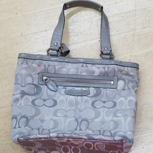 Coach Grey Shoulder purse c1085f15436